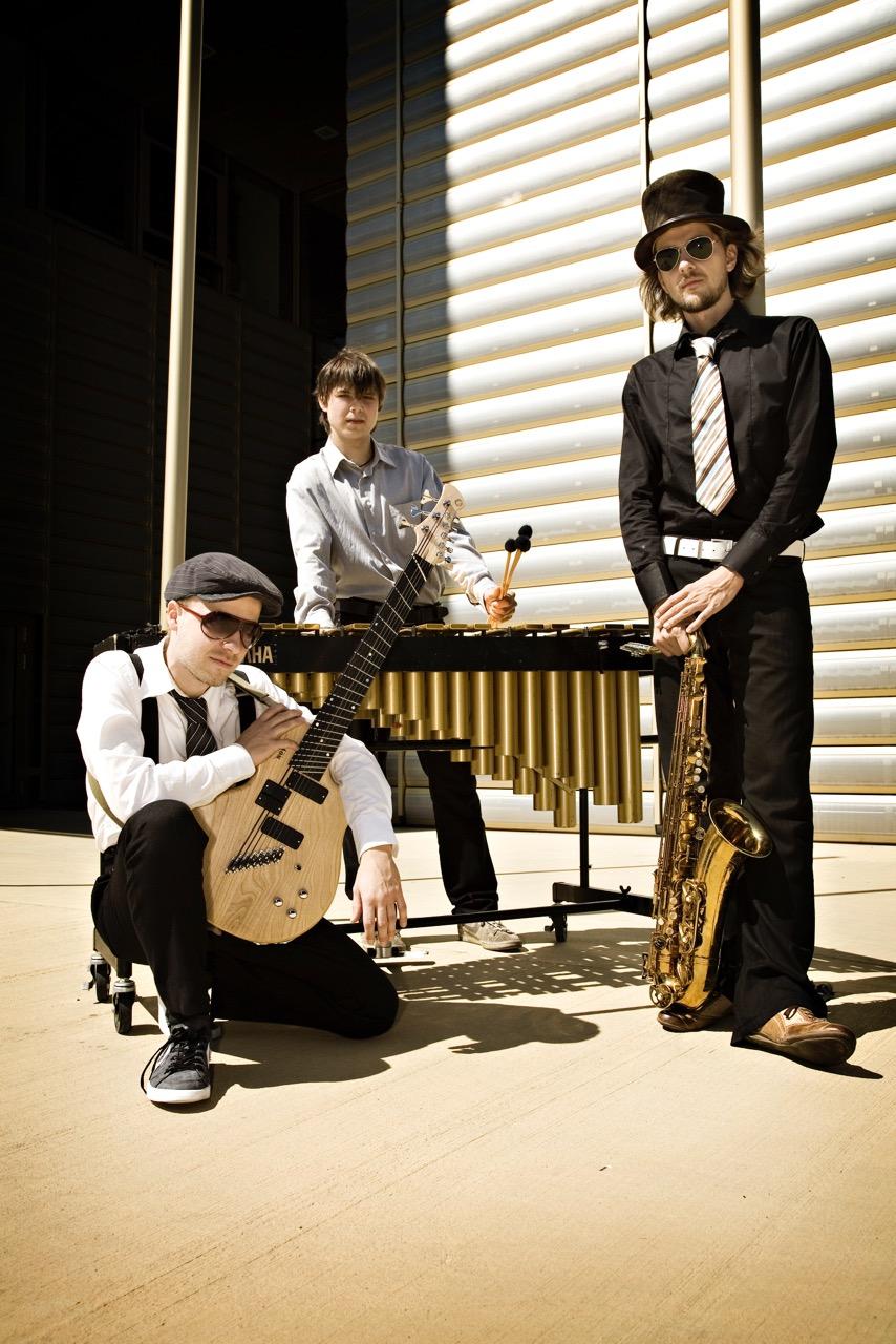 Trio De Janeiro @ gamsbART